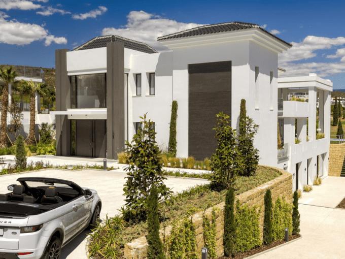 Villa de luxe à vendre à Los Flamingos 11