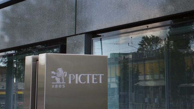 cropped pictet banque keystone