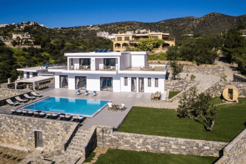 Villa With Large Swimming Pool-24