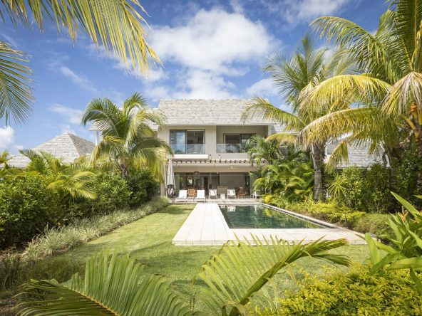 FOR SALE IRS VILLA ON THE EASTERN COAST OF MAURITIUS|A VENDRE VILLA IRS SUR LA COTE EST DE L'ILE MAURICE||||||||||||