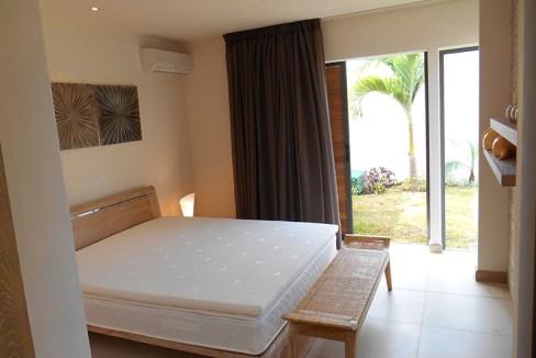 9 La chambre principale avec acces jardin