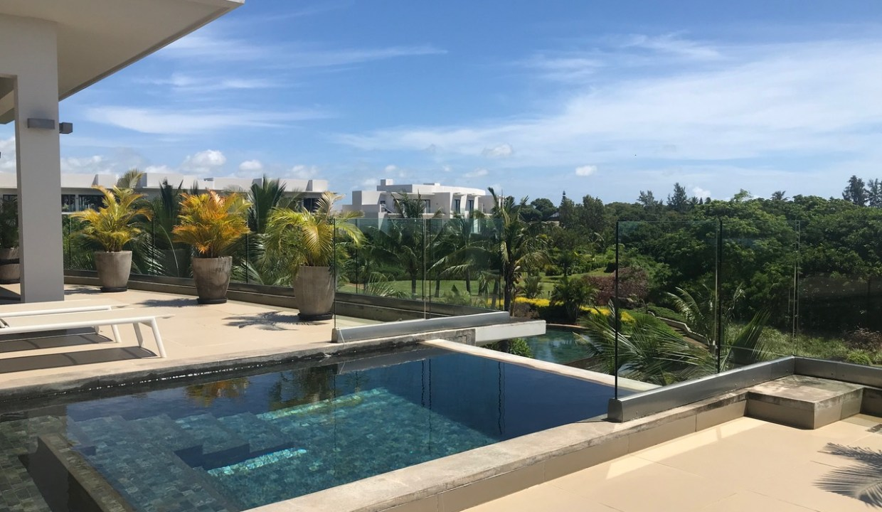 A VENDRE PENTHOUSE IRS A ROCHES NOIRES ILE MAURICE4