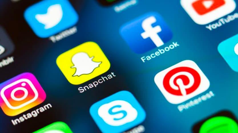 utiliser les réseaux sociaux pour faire des recnontres
