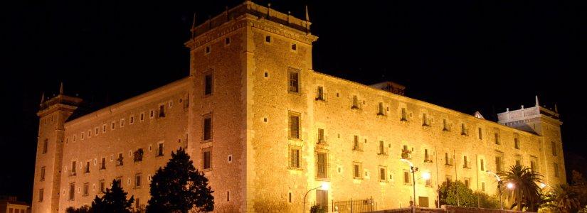 Le monastère de Puig de nuit