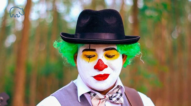ImmoPotam-immobilier-maison-appartement-neuf-vefa-logement-ancien-gestion-patrimoine-1p-2p-3p-4p-5p-19-homme-clown-triste-alternance-stage-interim-cdd-cdi-boulot-job