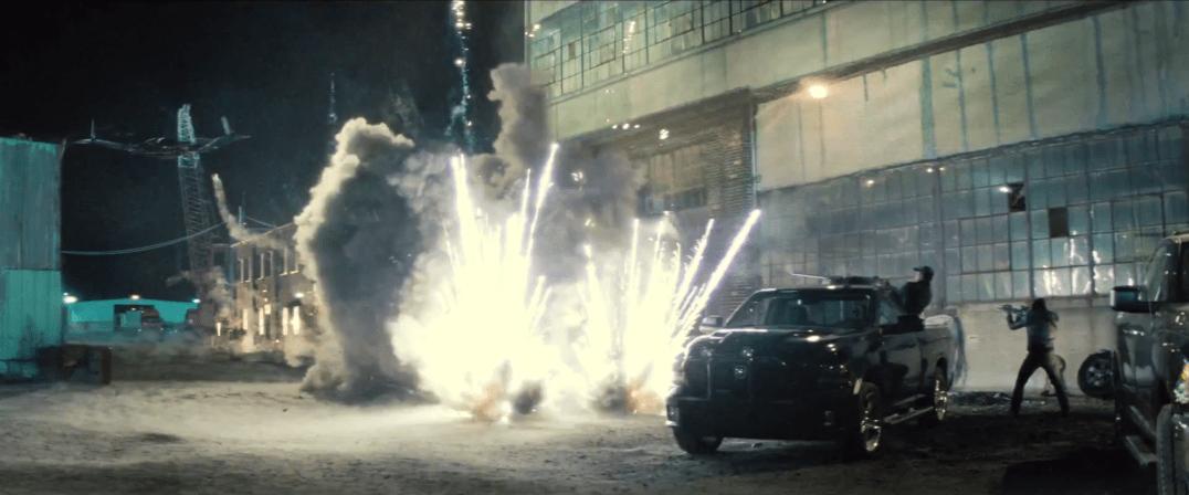 BatmanVSupermanBatwingfirefight