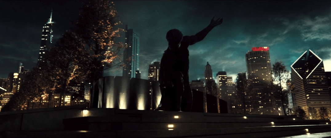 BatmanVSupermanMetropolisStatue