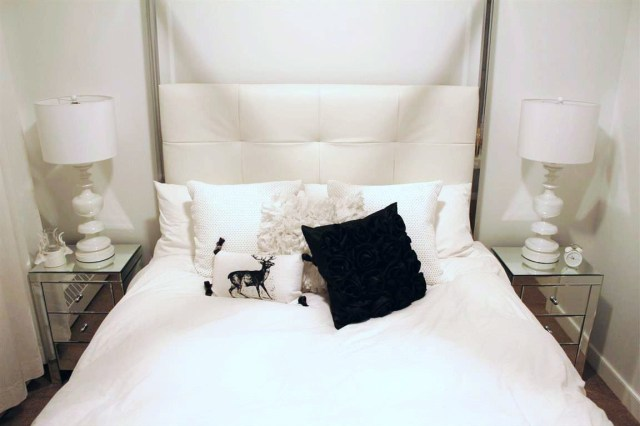 All white room1
