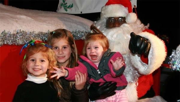Criminal Mall Santa Clause Pics