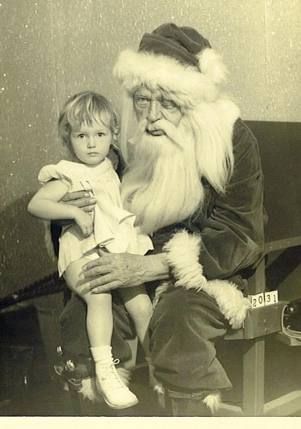 Horrifying mall Santa