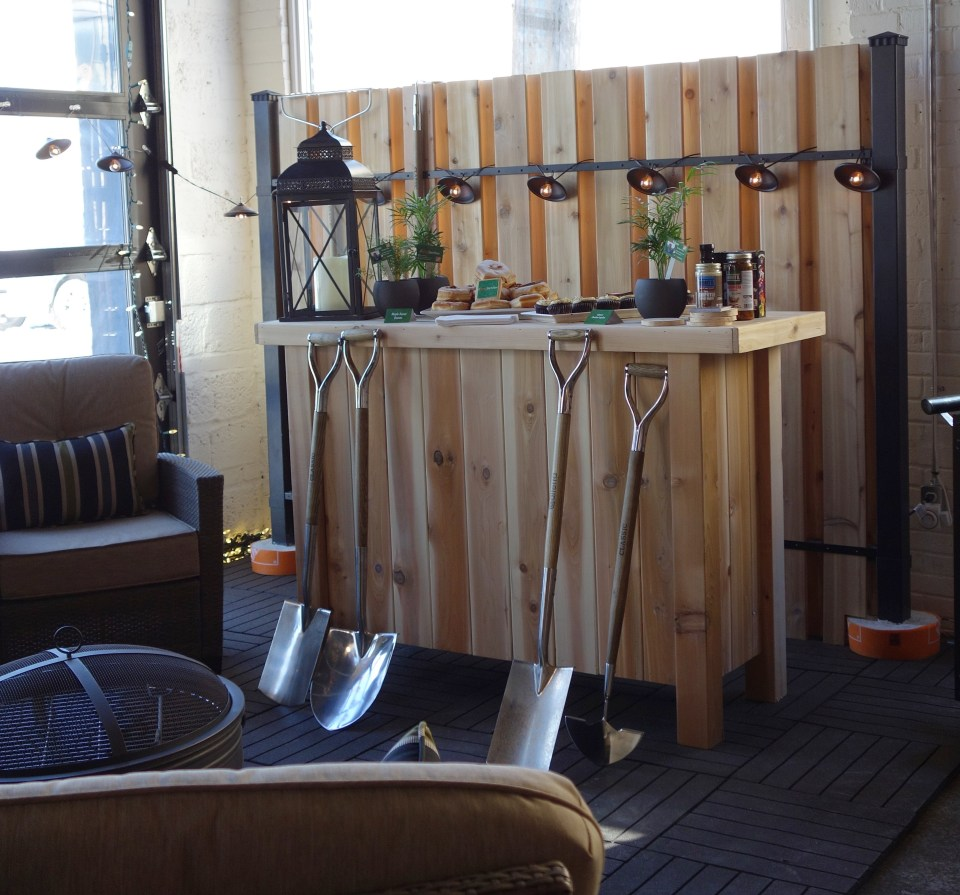 Home-Depot_Chris_Palmer_Manly_Backyard_Vignette2