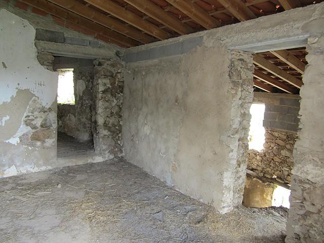 Monchique_Real_Estate_ruin_for_sale_in_Rua_Nova_large