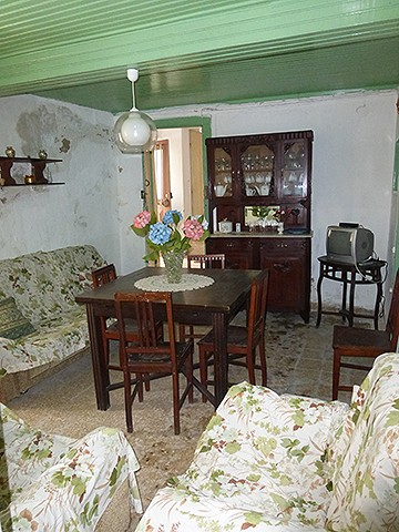 House in village of Monchique for sale