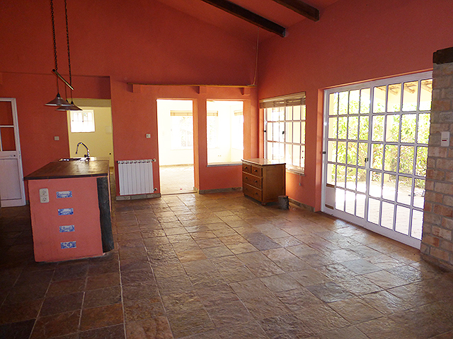 Monchique villa with garage and pool for sale