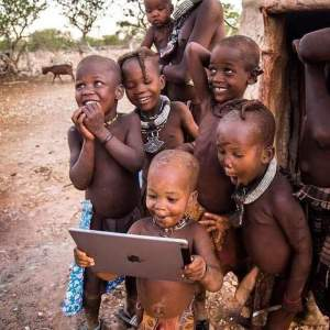 Kenyan kids with new technology