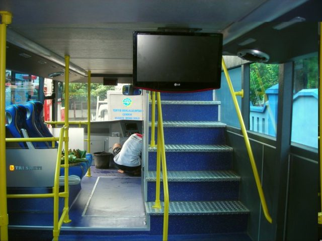 trisakti interior double deck solo 2