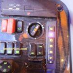 Terlihat untuk transmisi automaticnya, kita hanya perlu menekan tombol saja