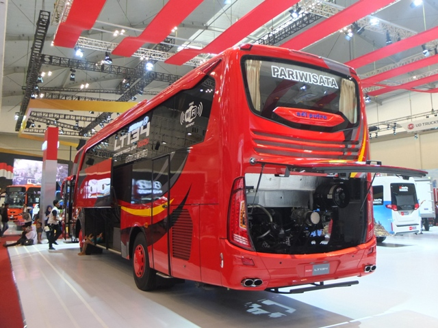 GIIAS 2017 : Penampakan Plus Galeri Foto Big Bus Andalan Si Rajanya Diesel, Isuzu LT 134 !!!