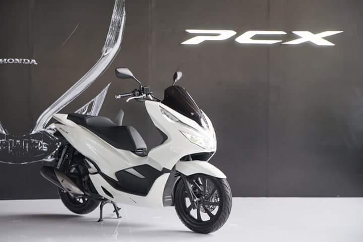 AHM Luncurkan Honda PCX 150 MY 2018, Berikut Foto - Foto Detailnya (Update)