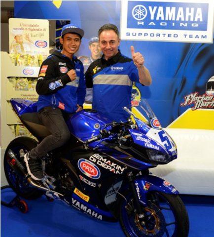 Galang Hendra bersama tim MotoX Yamaha WSSP300 2018 (3)