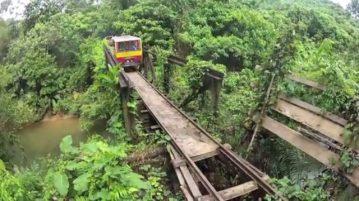 salah satu jembatan yang harus dilalui, perhatikan kondisi bantalan relnya sudah copot