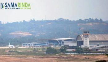 bandara apt pranoto samarinda baru - pesawat kepresidenan landing 3-1698288380..jpg