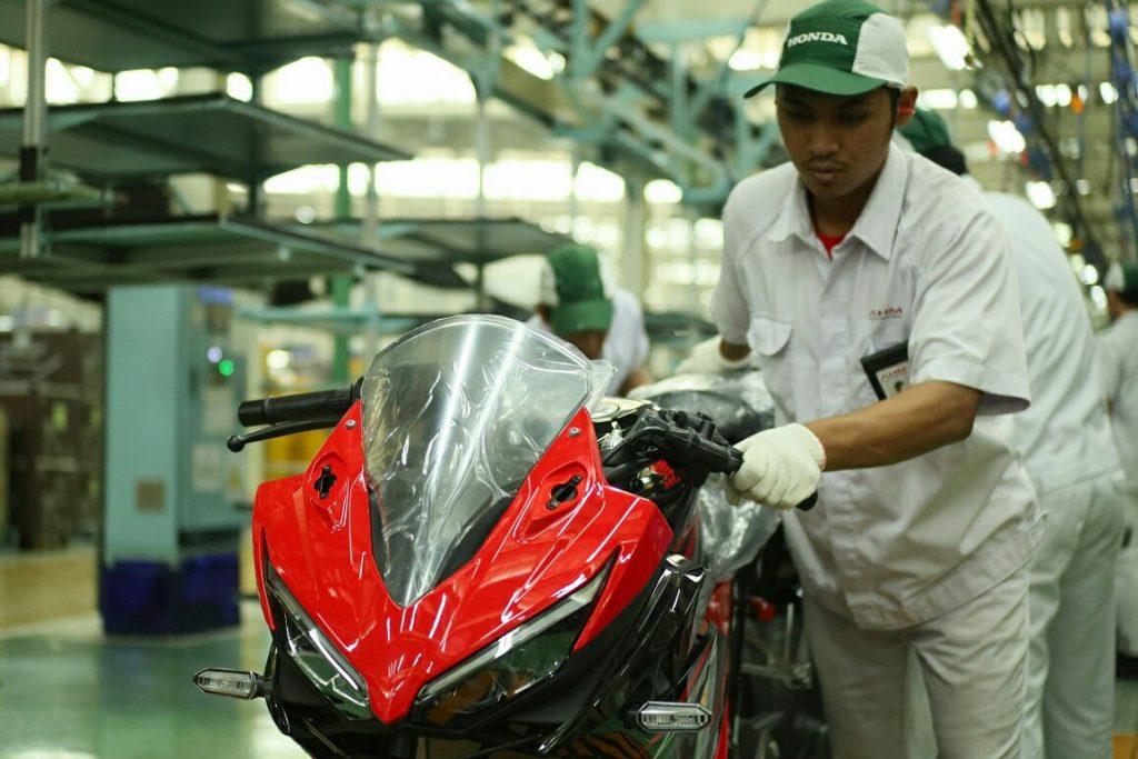 Honda CBR150R Dapat Update Visor Baru Plus Rem ABS, Harga Mulai 33 Jutaan