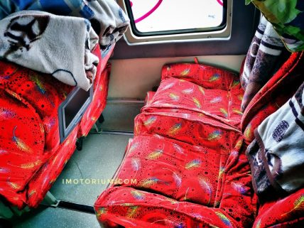interior sempati star double decker