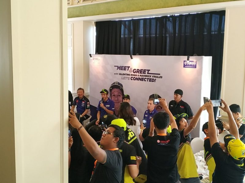 Fans Valentino Rossi dan Maverick Vinales