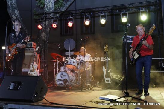 Le groupe Maddogz en concert, Place de la Marine à Agde le 16 juillet 2019