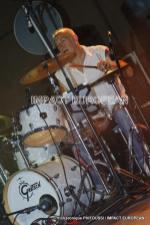 Stéphane Sedat à la batterie du groupe Maddogz en concert, Place de la Marine à Agde le 16 juillet 2019