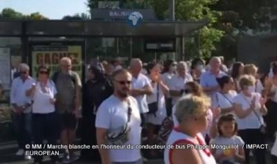 Marche blanche en l'honneur du conducteur de bus Philippe Monguillot