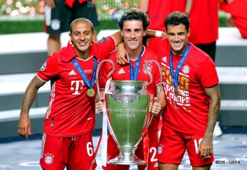 Six-time winners FC Bayern München4