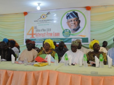 Former Deputy Governor, Lagos State, Prince Abiodun Ogunleye (in white agbada), Hon. Lola Akande (Middle) and former Commissioner for Agriculture, Lagos State, Asipa kAoli Olusanya and other State functionaries and APC Chieftains at the ceremony