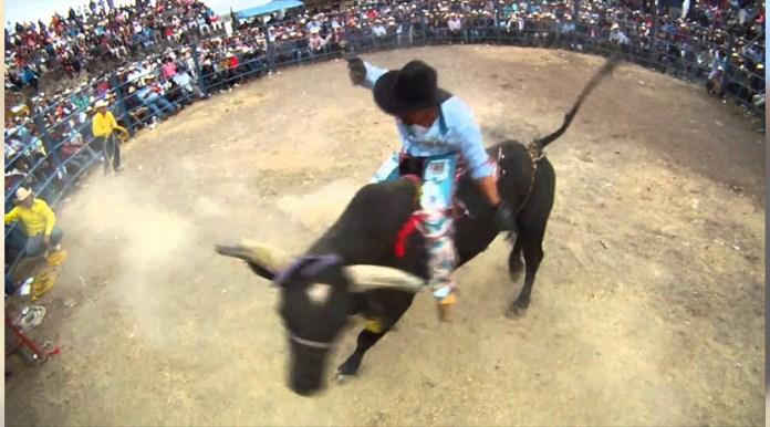 Despiden a El Bisir; murió pisoteado por un toro en jaripeo en Ejutla,  Oaxaca   El