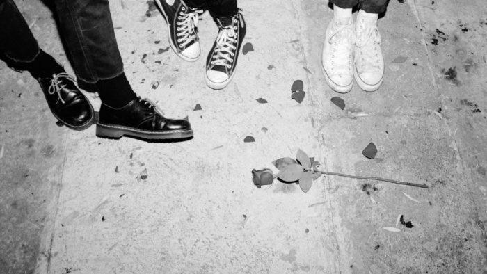 "ròsa talks meet-cute, new track ""stranger"""