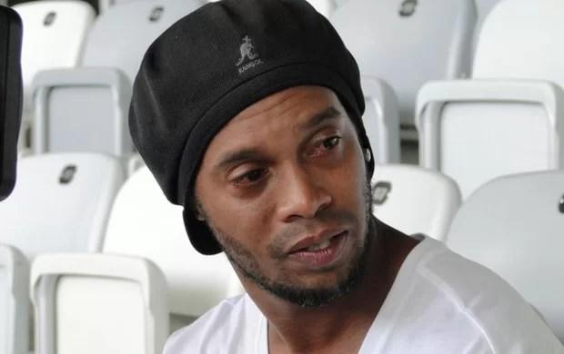 Defensa de Ronaldinho 'estalla' por prisión preventiva en Paraguay