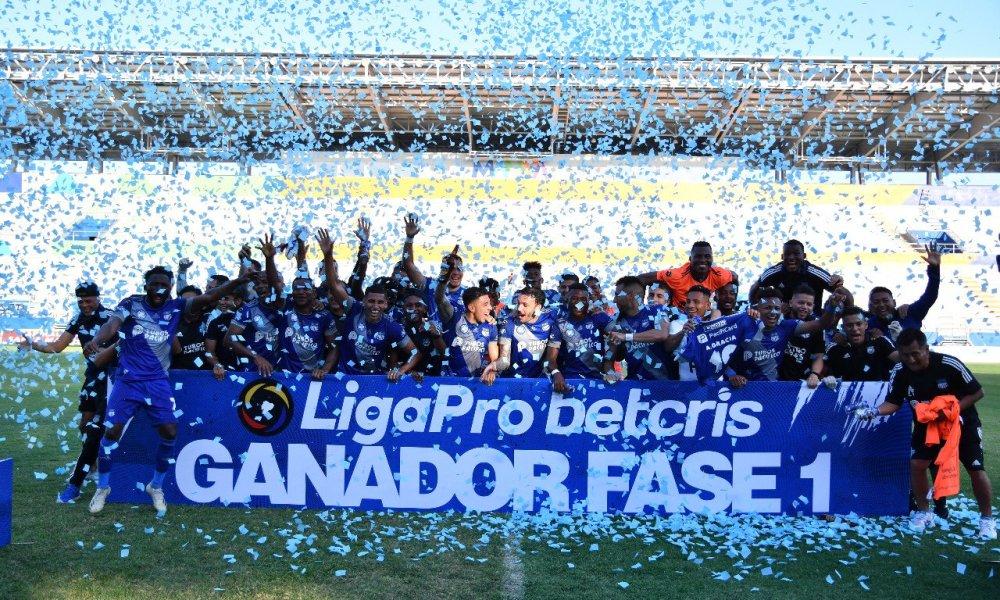 Emelec celebró el ser el primer finalista de la Serie A de la LigaPro