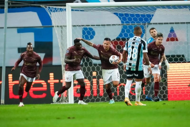Liga de Quito alterno 4