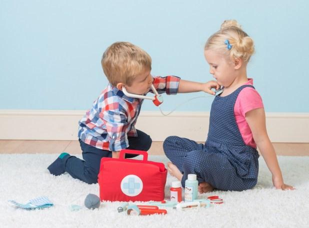 Mainan role play - 5 Mainan Edukasi Anak untuk Mengasah Kreativitas Si Kecil