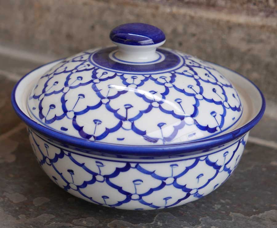 ceramic serving dishes with lids