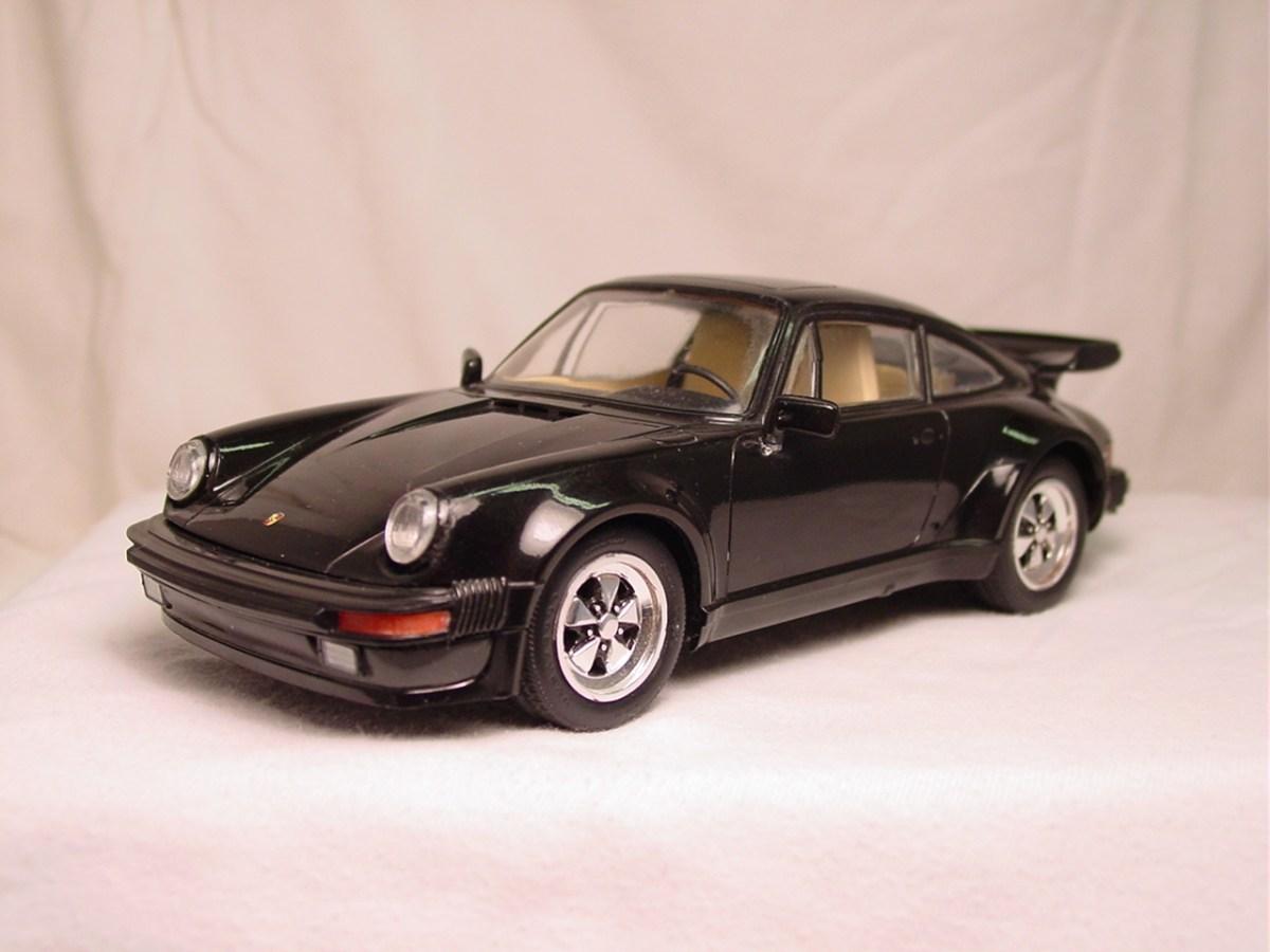 Porsche 911 Turbo - Revell