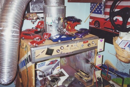 The work bench circa late 90's. The civic is hiding behind the S800.
