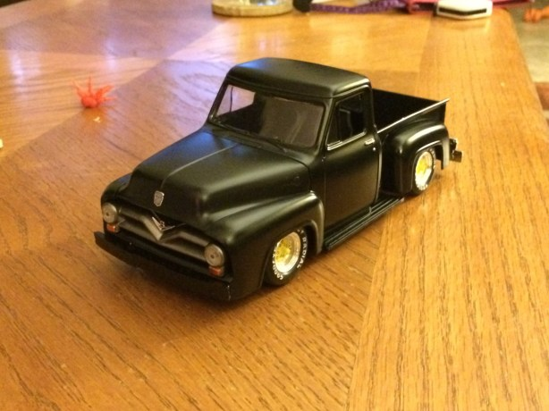 The rat truck didn't end up with the glossy paint job and wood grain paint that I had hoped, but for a quick 3 day project, I'm very pleased with the final results.