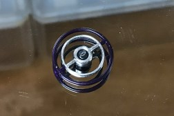 The 1:1 wheel is painted both interior colors and the horn ring is chromed with Molotow paint.