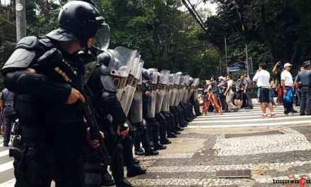 Black Blocs destroem… Seu preconceito