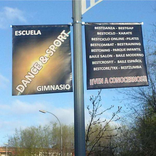 cartel lona farola publicidad