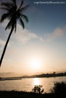atardecer-palmera-Don-Khong-4000-islas-impresiones-del-mundo