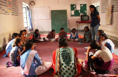 Gruppe von Mädchen in einer KGBV │ girls group in KGBV