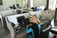 Arbeitsplatz im VAAGDHARA-Büro │ myself in VAAGDHARA office